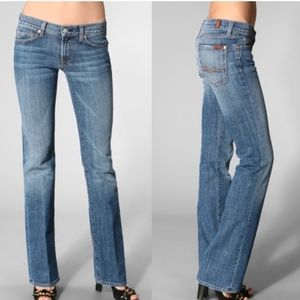 7 FOR ALL MANKIND GREAT COND BOOTCUT BLUE JEANS